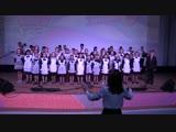 ПЕСНЯ о тревожной молодости. поет детский хор Борисовской школы искусств и зрительный зал