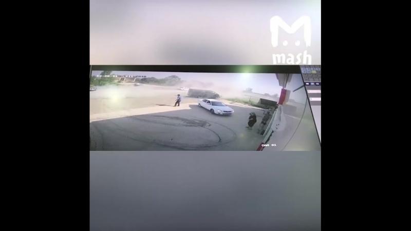В Дагестане у старого ВАЗа заклинило педаль газа после аварии