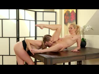 Aaliyah love and cadence lux - surprising mom at the office [lesbian]