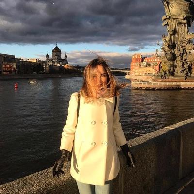 Аня Мишина