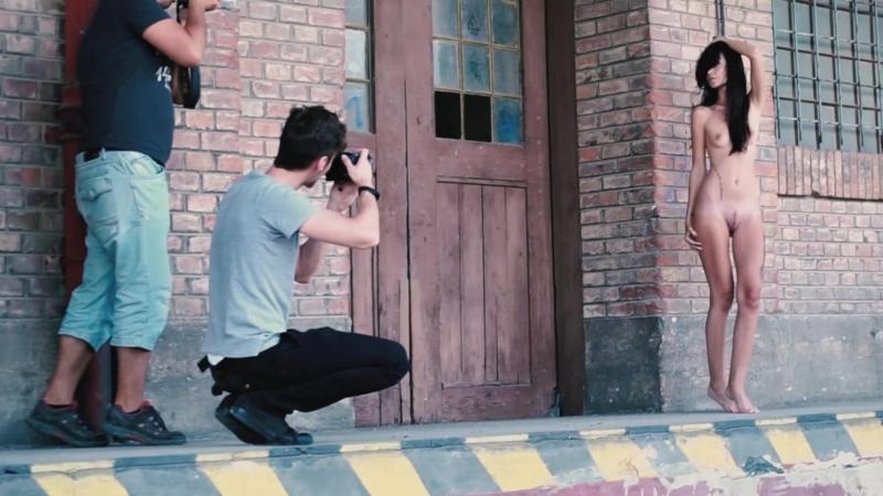Michelle shooting backstage - Mio Fallen