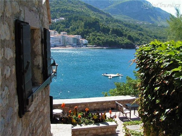 e8ucOuBks4 Чем полезен отдых в Черногории...