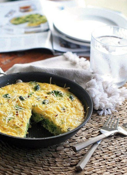 Омлет с брокколи на завтрак