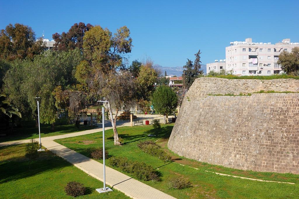 NlQUwKmquqA Никосия (Лефкосия) столица Кипра.