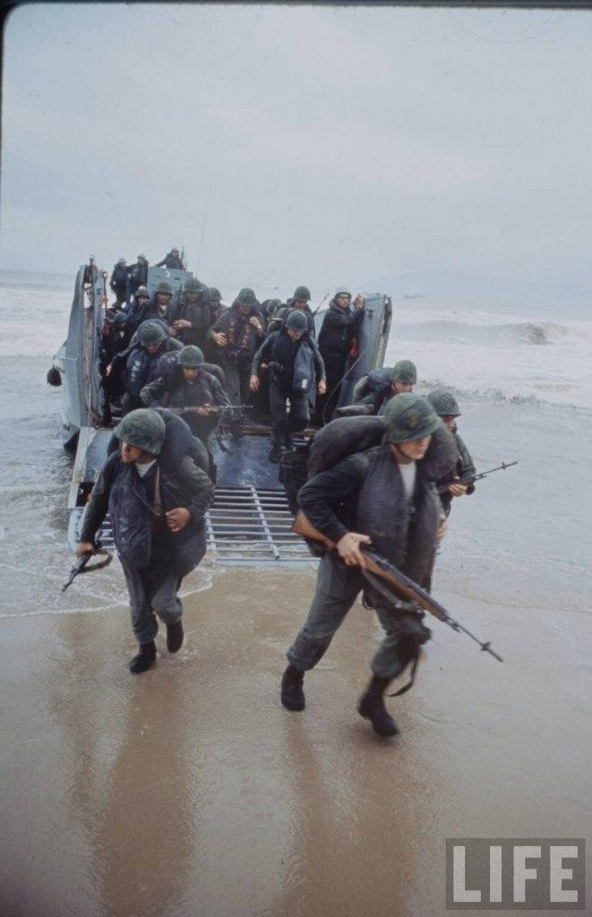 guerre du vietnam - Page 2 3coi76On_kA