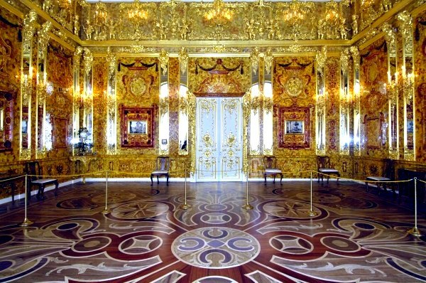 Открытие янтарной комнаты