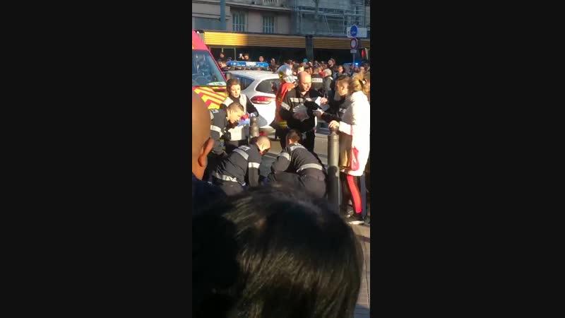 Резня в Марселе: Преступник с ножом напал на прохожих