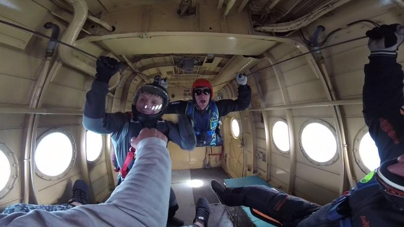 пилот, приколист устроил нам полет в невисомости