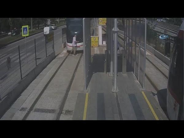 Мужчину сбил трамвай в Самсуне