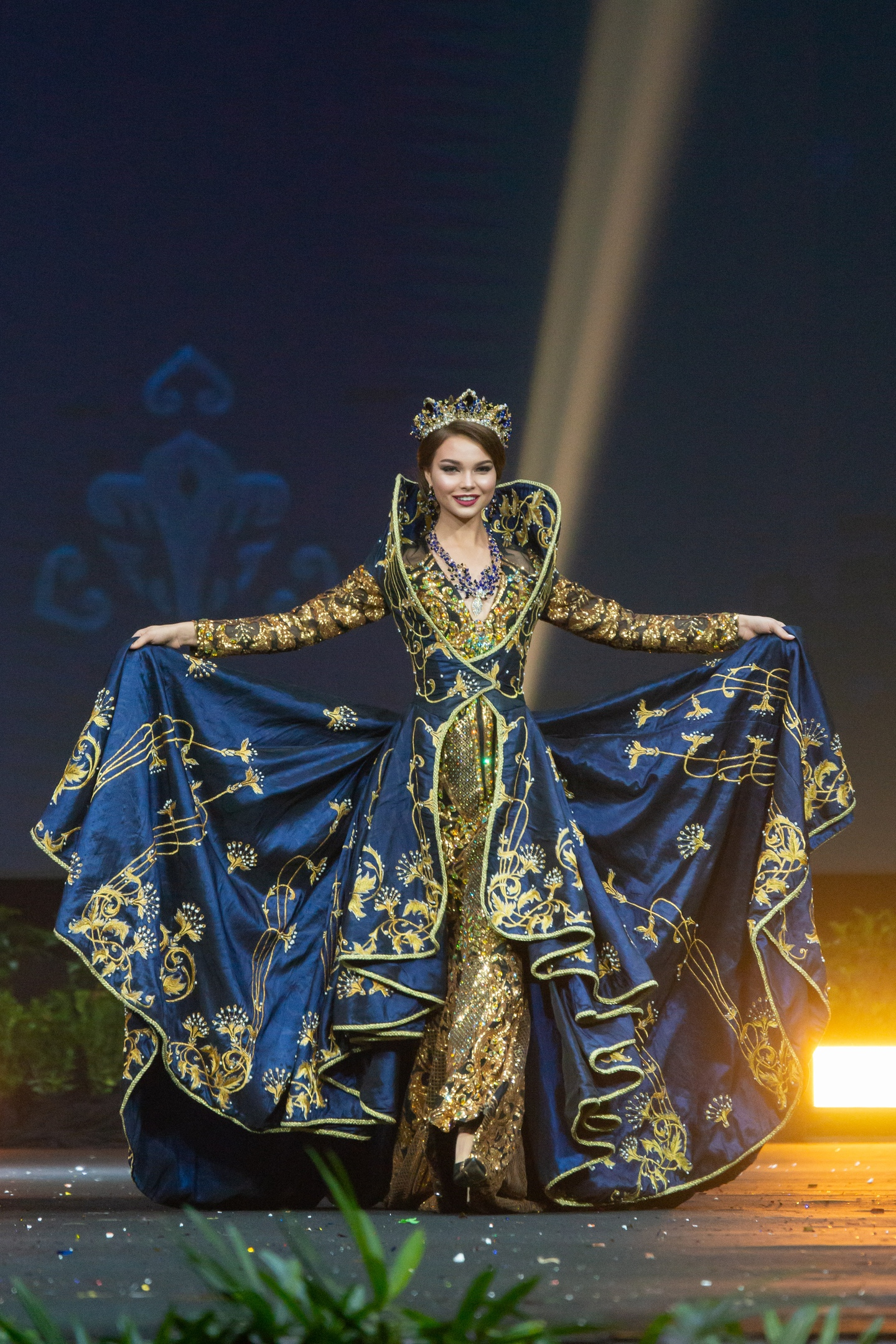 © PAGEANT MANIA © MISS UNIVERSE 2018 - OFFICIAL COVERAGE Finals - Page 40 D8FUcWiy1OQ