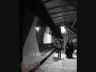 Прибытие поезда в стиле ретро 👍