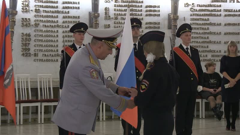 Александр Кравченко вручил паспорта волгоградским кадетам
