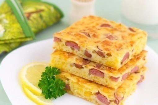 Пирог с сыром и сосисками Ингредиенты: - 250 мл