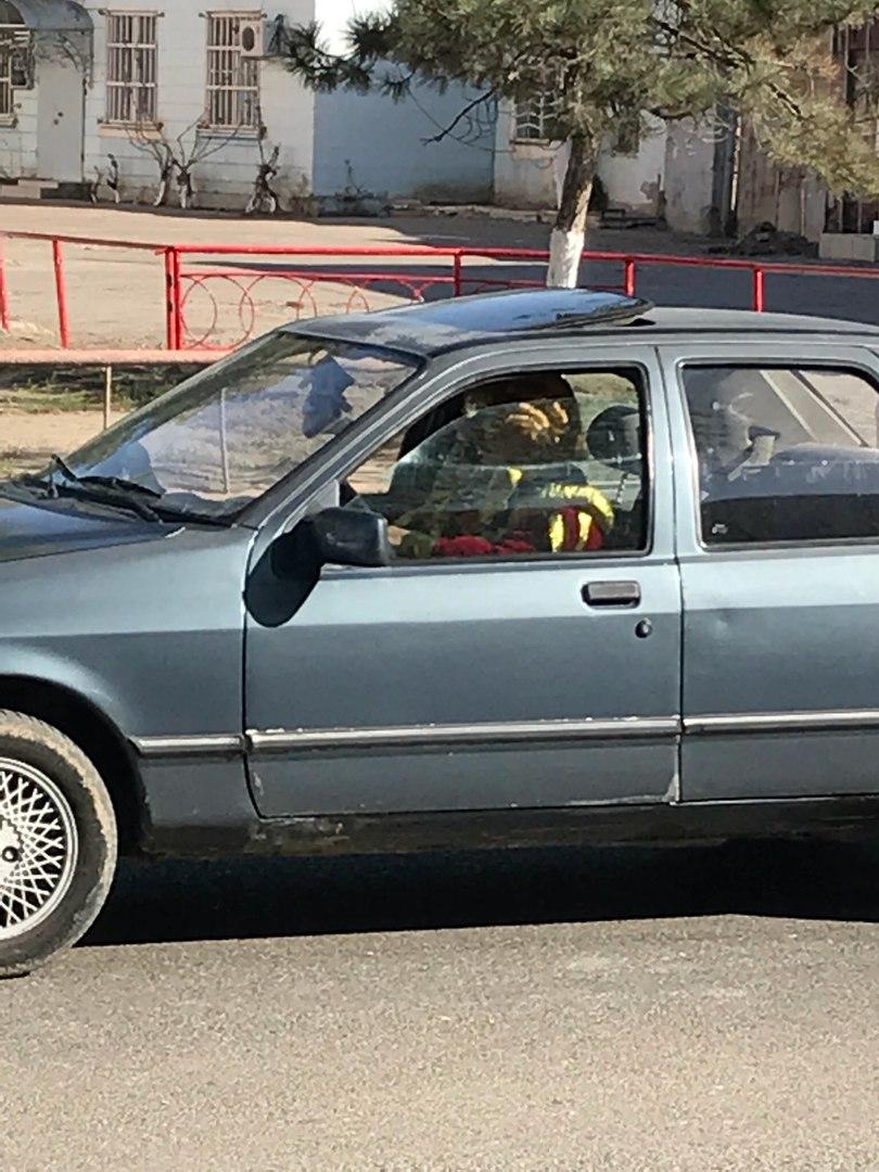 Появились фото ДТП в Астрахани, где клоун врезался в иномарку