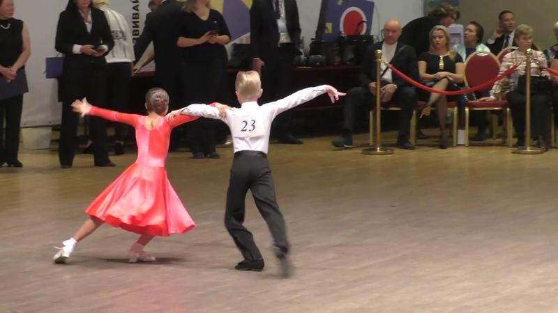 Самба Дети 2 бальные танцы 8 т до D кл Москалева Мария Чугин Артем