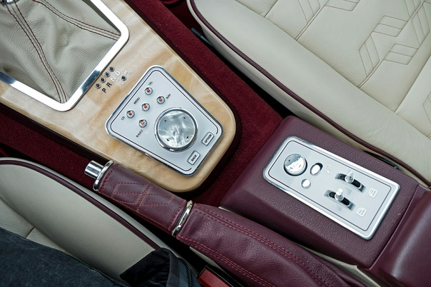 ilenin BCC Vintage B3 Двигатель: 3.0 R6 N54 Мощность: 360 л.с. при 6000 об/мин Крутящий момент: 500 нм при 3800 об/мин Трансмиссия: Автомат 6 ступ. Макс. скорость: 285 км/ч Разгон до сотни: 4.8