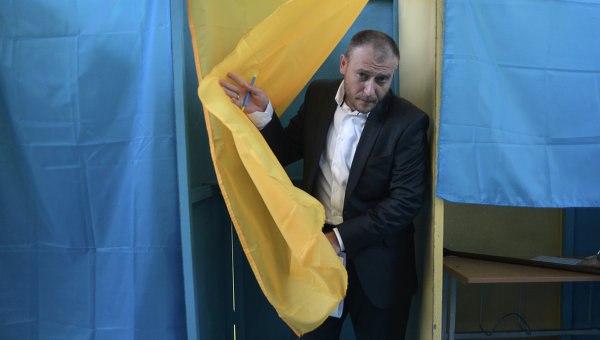 Украина может распасться на несколько государств до конца года, заявил Дмитрий Ярош