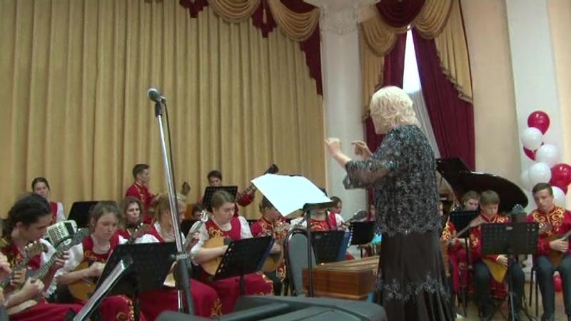 Парафраз на темы Бажилина в исполнении образцового оркестра русских народных инструментов Садко Курганинская детская музыкаль