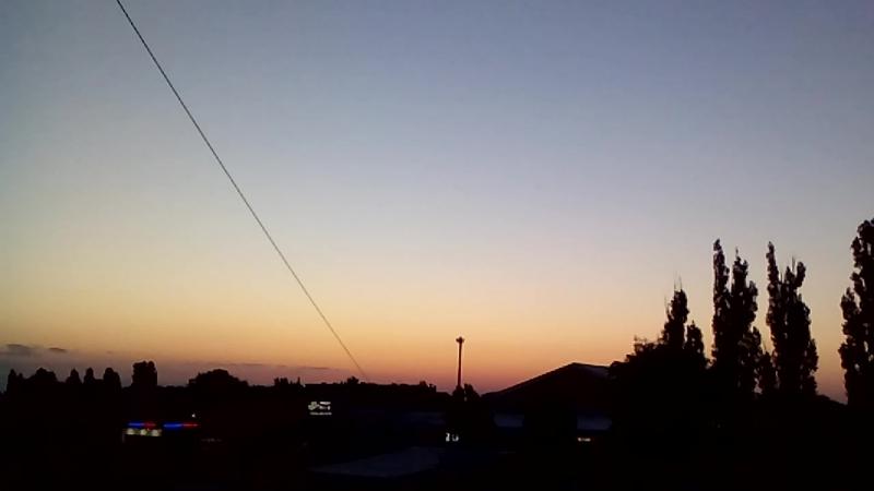 Утро....3.30 час...19.06.18 г... Соловьи под окном