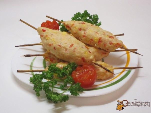 Турецкий кебаб со сладким перцем Очень люблю сладкий перец красного цвета. Очень яркий, ароматный. И хорошо смотрится в кебабе.