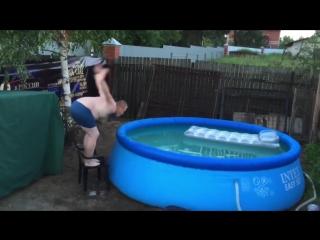 Феноменальный прыжок в воду