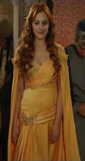 Платья хюррем султан фото платьев