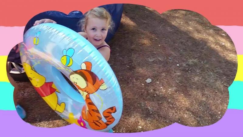 Влог: Алина на море - игры с песком, катаются на самокате. Видео для детей - for kids