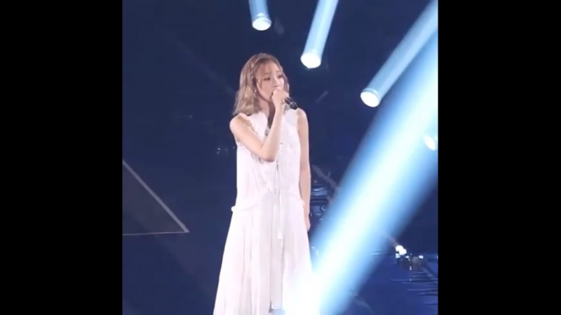 Taeyeon - I (Butterfly kiss concert)