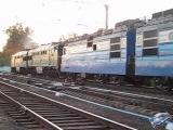 Локомотиви 2ТЕ116-1195 та ВЛ82М-046 на ст. Нова Баварія ПЗ
