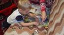 Ребёнок до 3х лет складывает пазлы Анюта Журило