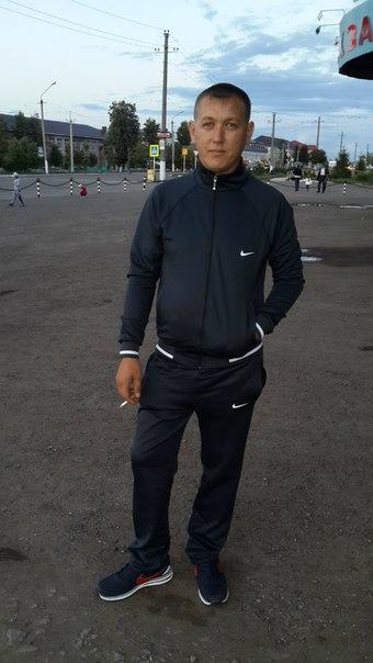 Evgeniy, 32, Nurlat