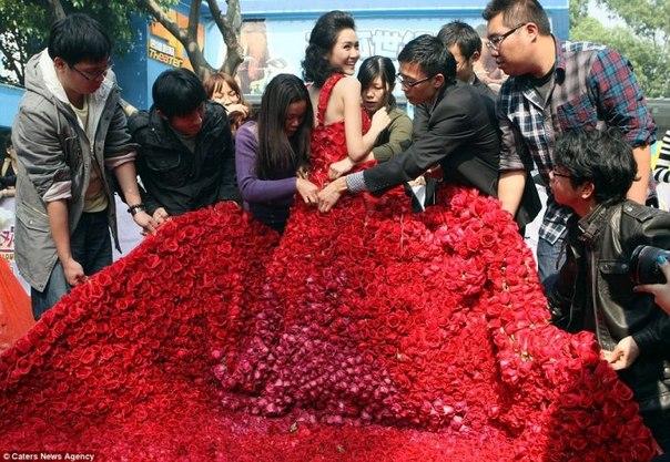 картинки кавказских девушек с цветами: