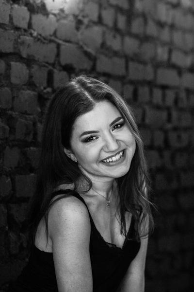Лиза Землякова