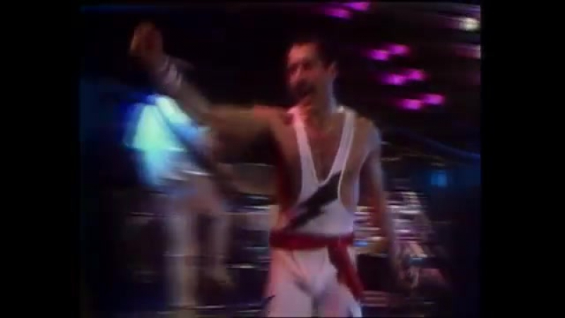 Queen - The Show Must Go On (Official Video) (1)