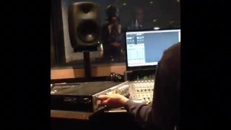 Корей Маршал, голос Рио Хазуки, озвучивает трейлер Shenmue HD