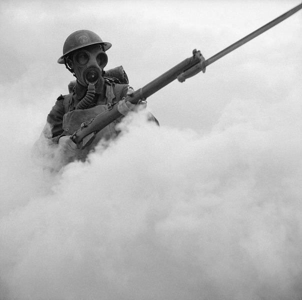 Красивый кадр. Британский пехотинец.1941 г.