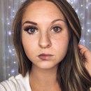Девушки в Инстаграме продолжают выкладывать свои фото с макияжем и без…