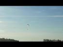 Первая тройка парашютистов