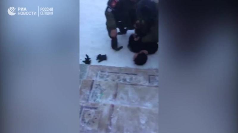 Задержание напавшего с топором на школьников и педагога
