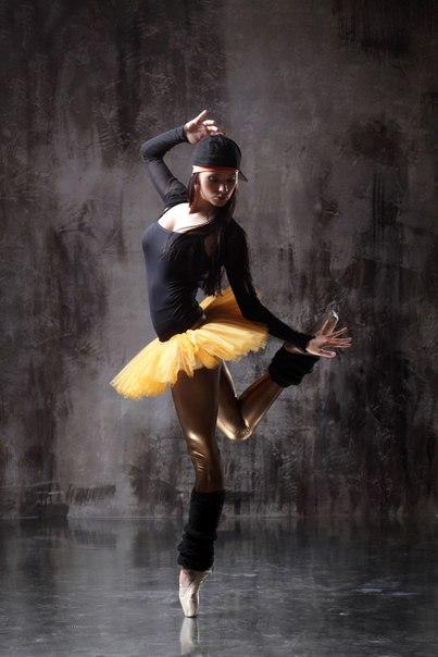 или его стиль танцев в котором у каждого разные движения людей, родившихся под