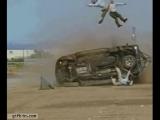 Вот что происходит с непристёгнутыми пассажирами при перевороте машины...