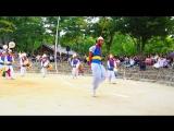 Фермерская музыка и танцы в Корейской фольклорной деревне