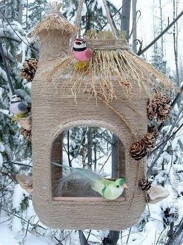 Сделать красивую кормушку для птиц своими руками