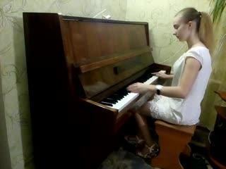 Нэнси- Дым сигарет с ментолом на фортепиано