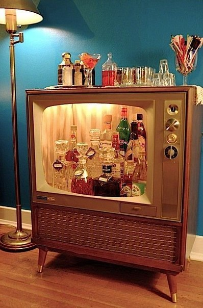 Новая жизнь старого телевизора (1 фото) - картинка