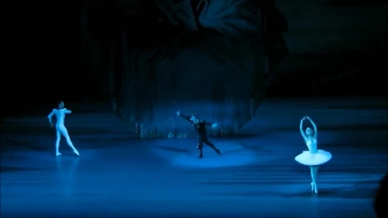 14.01.2018 Bolshoi, Swan Lake 4, Odile - Yulia Stepanova, Prince Siegfried - Jacopo Tissi, The Evil Genius - Mikhail Kryuchkov