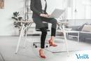Яркие туфли разбавят любой, даже самый скучный офисный наряд. Любите яркую обувь, девочки?