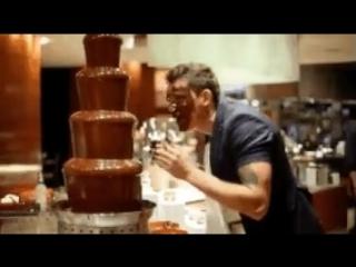 Мой уровень любви к шоколаду  этот парень