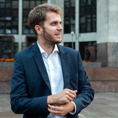 Илья Титаренко