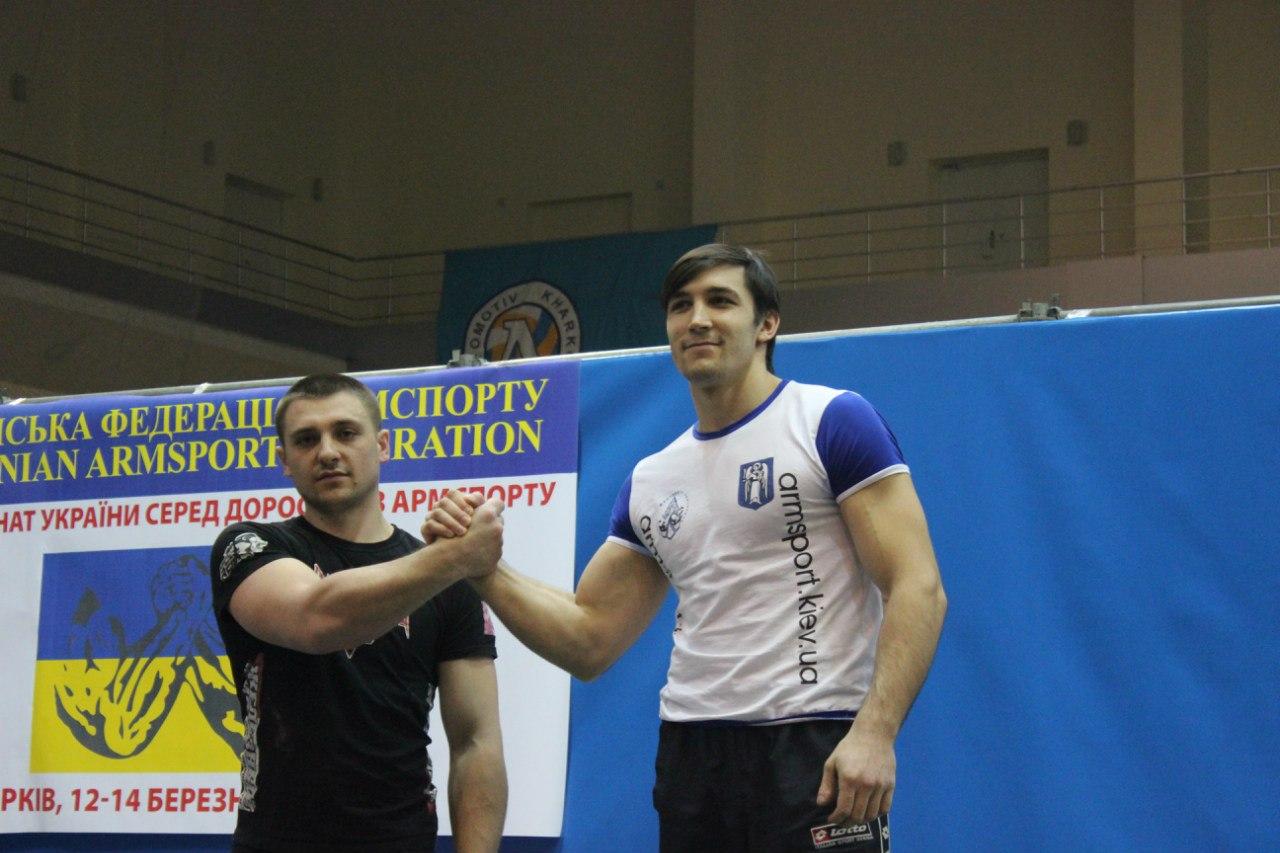 1. Evgeny Prudnik, 2. Peter Margarint - 85kg right hand podium - Ukrainian Armwrestling Championship 2014